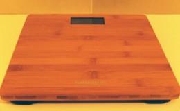 木製天板の体重計