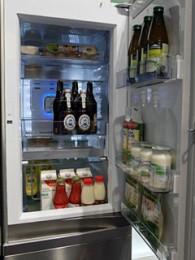 LG冷蔵庫の2重扉。韓S社でも似た仕様が・・・