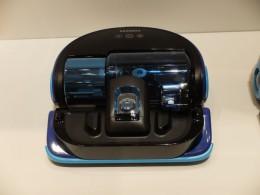 サムスンVR9000の外観。回転ブラシがなく、直接掃除機のヘッドをつけたようなイメージ。