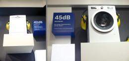 左:食洗機。右:洗濯機。