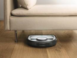 高さを9cmに抑えたことで、ソファーの下などにも入り込んでお掃除が可能に
